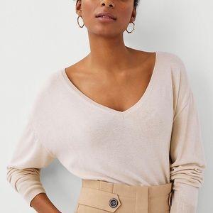 ANN TAYLOR - V-Neck Sweater